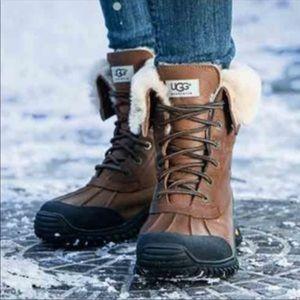 dee5d74024f UGG Women's Adirondack II Boot New in box ! NWT
